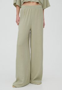 PULL&BEAR - Trousers - green - 0