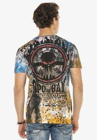 Cipo & Baxx - Print T-shirt - brown - 2