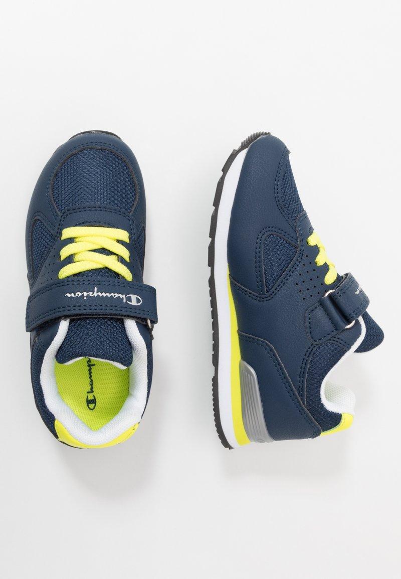 Champion - LOW CUT SHOE ERIN UNISEX - Sports shoes - blue