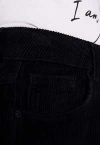 WHY7 - NINA WIDE LEG - Stoffhose - black - 5