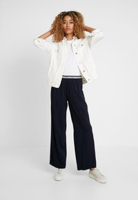 Marc O'Polo - PANTS WIDE LEG - Bukse - midnight blue - 1