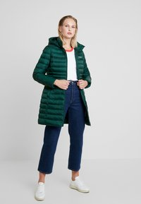 Calvin Klein - ESSENTIAL LIGHT COAT - Down coat - dark green - 1