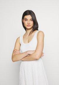 M Missoni - SLEEVES DRESS - Jumper dress - white - 4