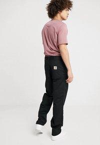Carhartt WIP - SIMPLE DENISON - Pantalones - black - 2