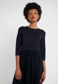 WEEKEND MaxMara - MINCIO - Strikket kjole - ultramarine - 4