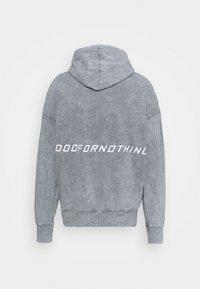 Good For Nothing - OVERSIZED BRANDED BACK HOOD - Hoodie - grey - 1