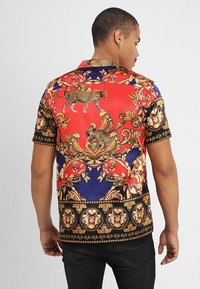 Jaded London - LEOPARD BAROQUE REVERE - Shirt - red/blue