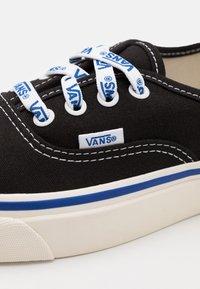 Vans - ANAHEIM AUTHENTIC 44 DX UNISEX - Joggesko - black/offwhite - 5