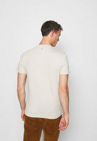 Napapijri - SOLANOS - Print T-shirt - dove grey - 2