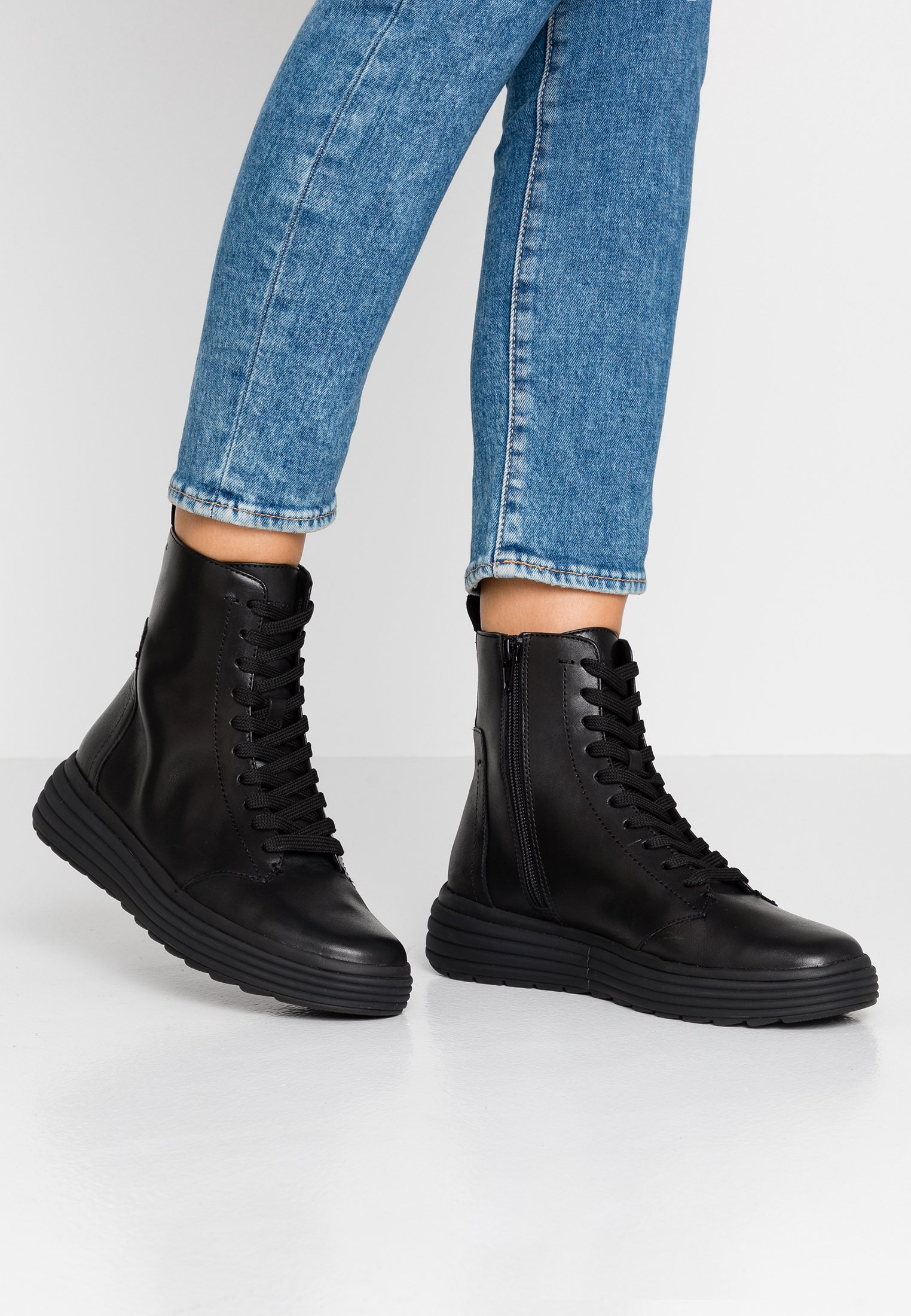 informal variable Chimenea  Geox PHAOLAE - Platform ankle boots - black - Zalando.co.uk