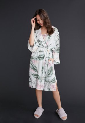 LIGHTWEIGHT ROBE - Day dress - green