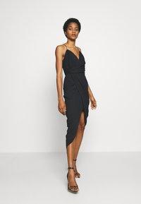 Forever New - CHARLOTTE DRAPE DRESS - Robe d'été - black - 1