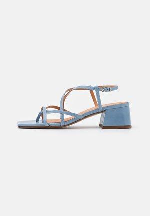BAHAMA - Sandaalit nilkkaremmillä - vieilli bleu azur