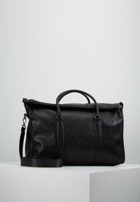 Pier One - UNISEX - Weekend bag - black - 0