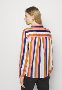 Emily van den Bergh - Button-down blouse - brown/rose/blue - 2