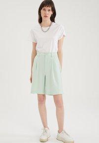 DeFacto - Shorts - turquoise - 1