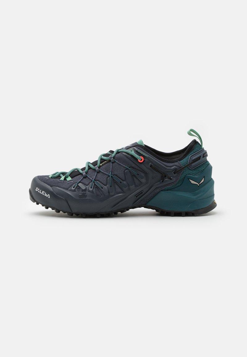 Salewa - WILDFIRE EDGE GTX - Chaussures de marche - ombre blue/atlantic deep