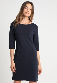 Freequent - DANE STRUCTURE - Shift dress - salute - 0