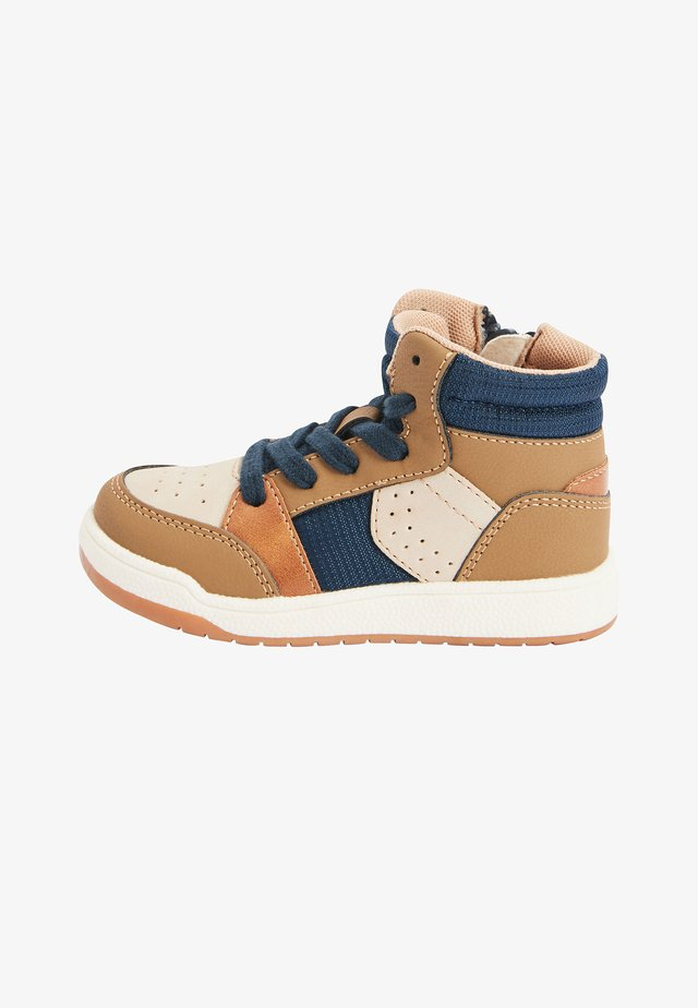 High-top trainers - brown