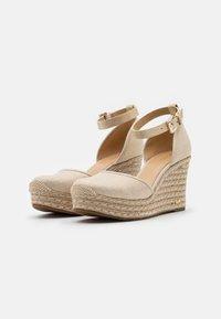 MICHAEL Michael Kors - KENDRICK WEDGE - Platform sandals - pale gold - 2