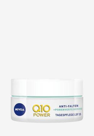 Q10 POWER ANTI WRINKLE PORE REFINE DAY CREAM SPF 15 - Pielęgnacja przeciw starzeniu skóry - -