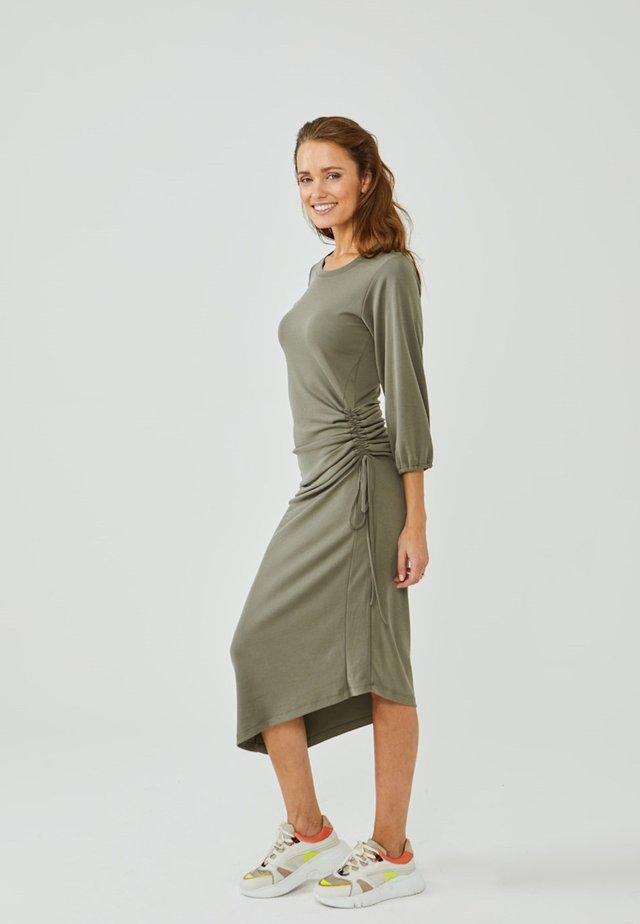 MICAH - Shift dress - vertiver