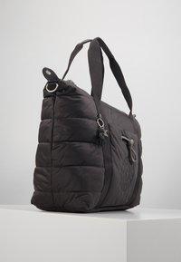 Kipling - PUFF ART - Velká kabelka - cold black - 3