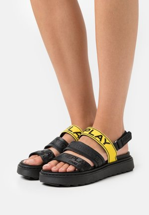 HURDVILLE - Sandały na platformie - yellow/black
