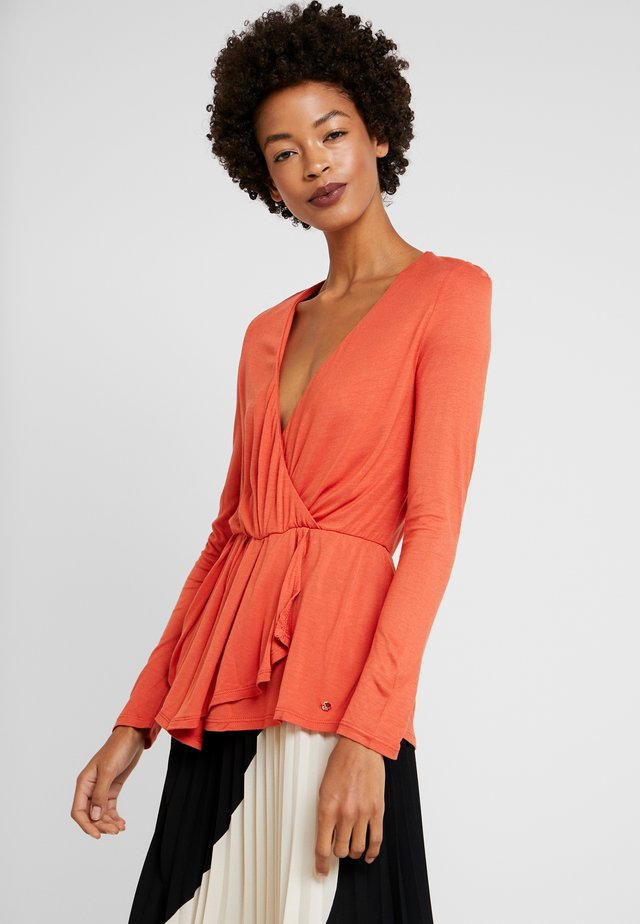 WRAP - Long sleeved top - reds