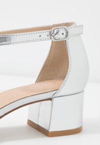 Anna Field - LEATHER CLASSIC HEELS - Tacones - silver - 2