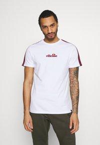 Ellesse - CARCANO - T-shirt imprimé - white - 0