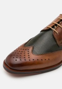 Bugatti - RANGER - Smart lace-ups - cognac/dark green - 5