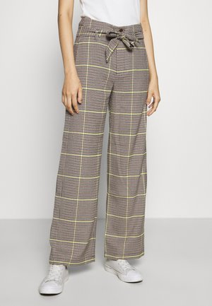 WIDE LEG BELTED PANTS - Bukser - yellow