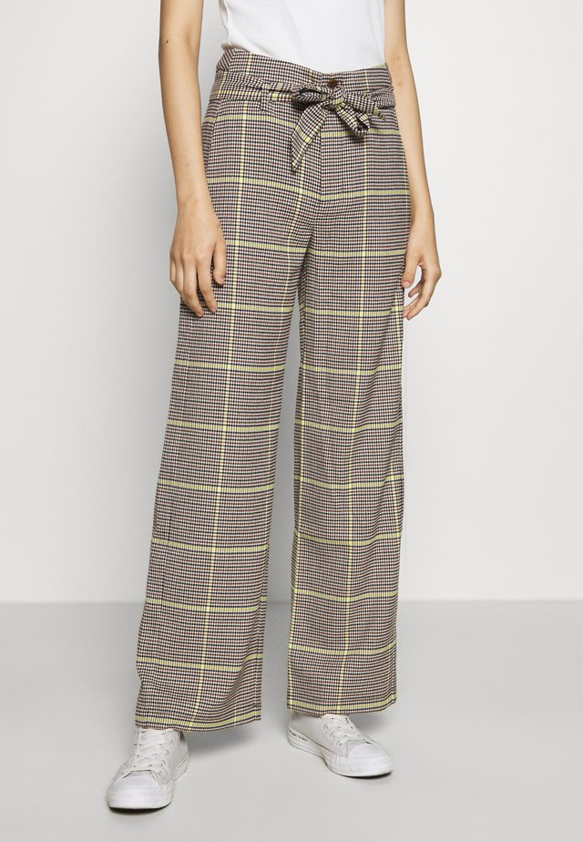 WIDE LEG BELTED PANTS - Pantalon classique - yellow