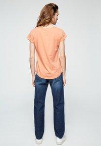 ARMEDANGELS - LAALE - Basic T-shirt - sweet peach - 2