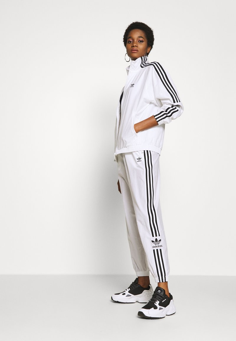 adidas Originals ADICOLOR SPORT INSPIRED NYLON JACKET - Windbreaker - white/weiß cbLJ5W