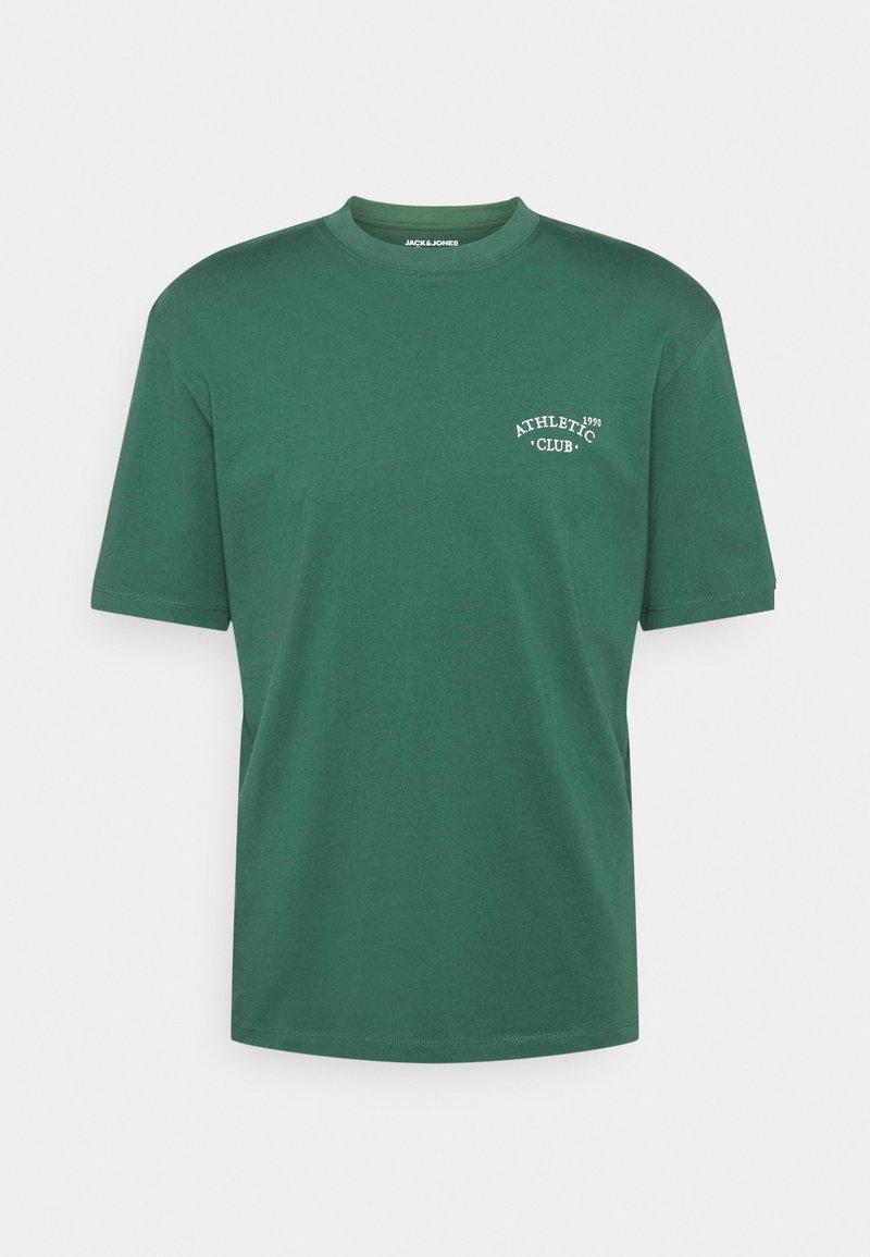 Jack & Jones - JORTOBIAS TEE CREW NECK CHEST UNISEX - Basic T-shirt - trekking green