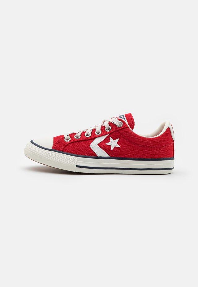 STAR PLAYER UNISEX - Sneakers - enamel red