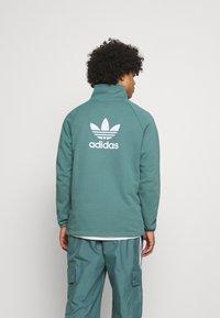 adidas Originals - TREFOIL UNISEX - Sweatshirt - hazy emerald - 2