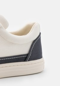 Tory Burch - CLASSIC COURT - Tenisky - ivory/perfect navy - 6