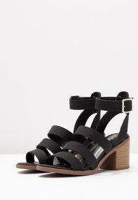 Rubi Shoes by Cotton On - HARRIS STACK HEEL - Sandalias - black - 4