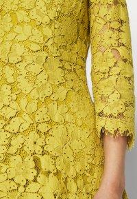 IVY & OAK - DRESS - Cocktail dress / Party dress - mustard yellow - 5