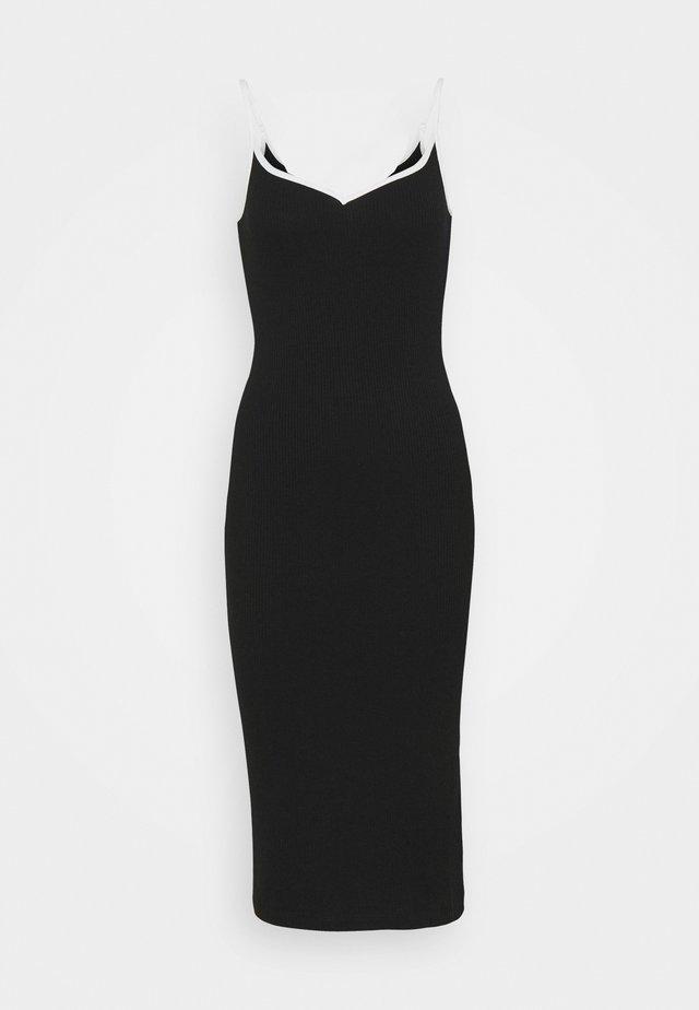 VMNANA SINGLET CALF DRESS - Gebreide jurk - black/white