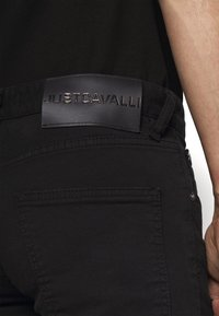 Just Cavalli - PANTALONE - Skinny džíny - black - 4