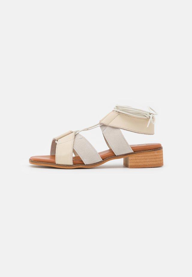 Sandales - ibory/hielo