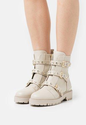 OCEA - Kotníkové boty na platformě - vanilla