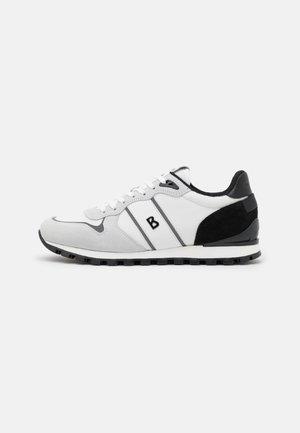 PORTO  - Trainers - white