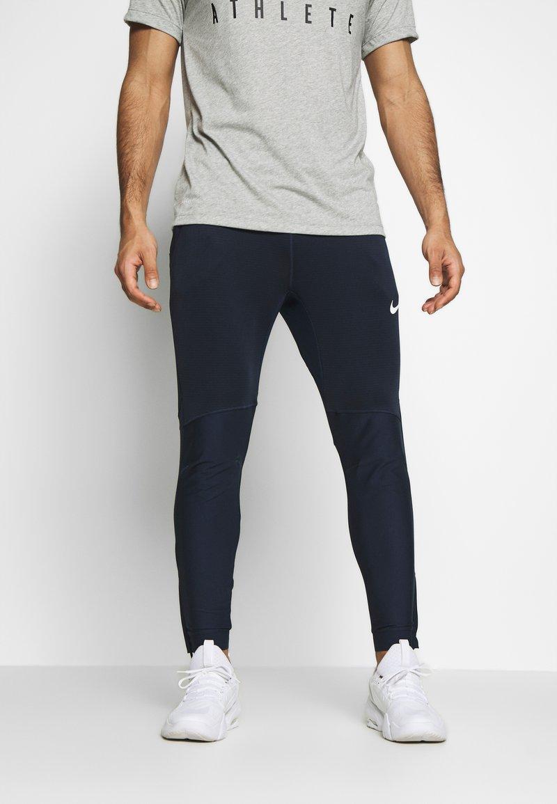 Nike Performance - PANT - Teplákové kalhoty - obsidian/obsidian