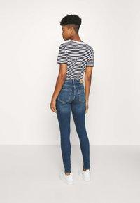 Monki - MOCKI NEW  - Jeansy Skinny Fit - blue/medium-dusty - 2