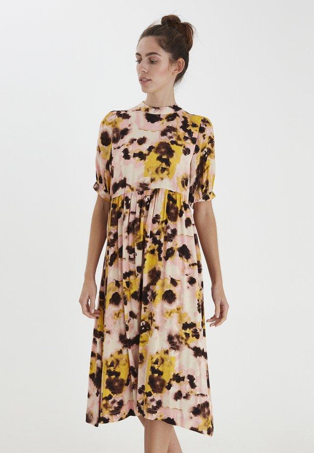 IHVAUNA  - Day dress - super lemon